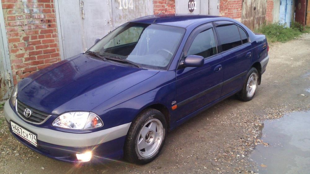 Подержанный Toyota Avensis, отличное состояние, синий , 2001 года выпуска, цена 230 000 руб. в Челябинской области