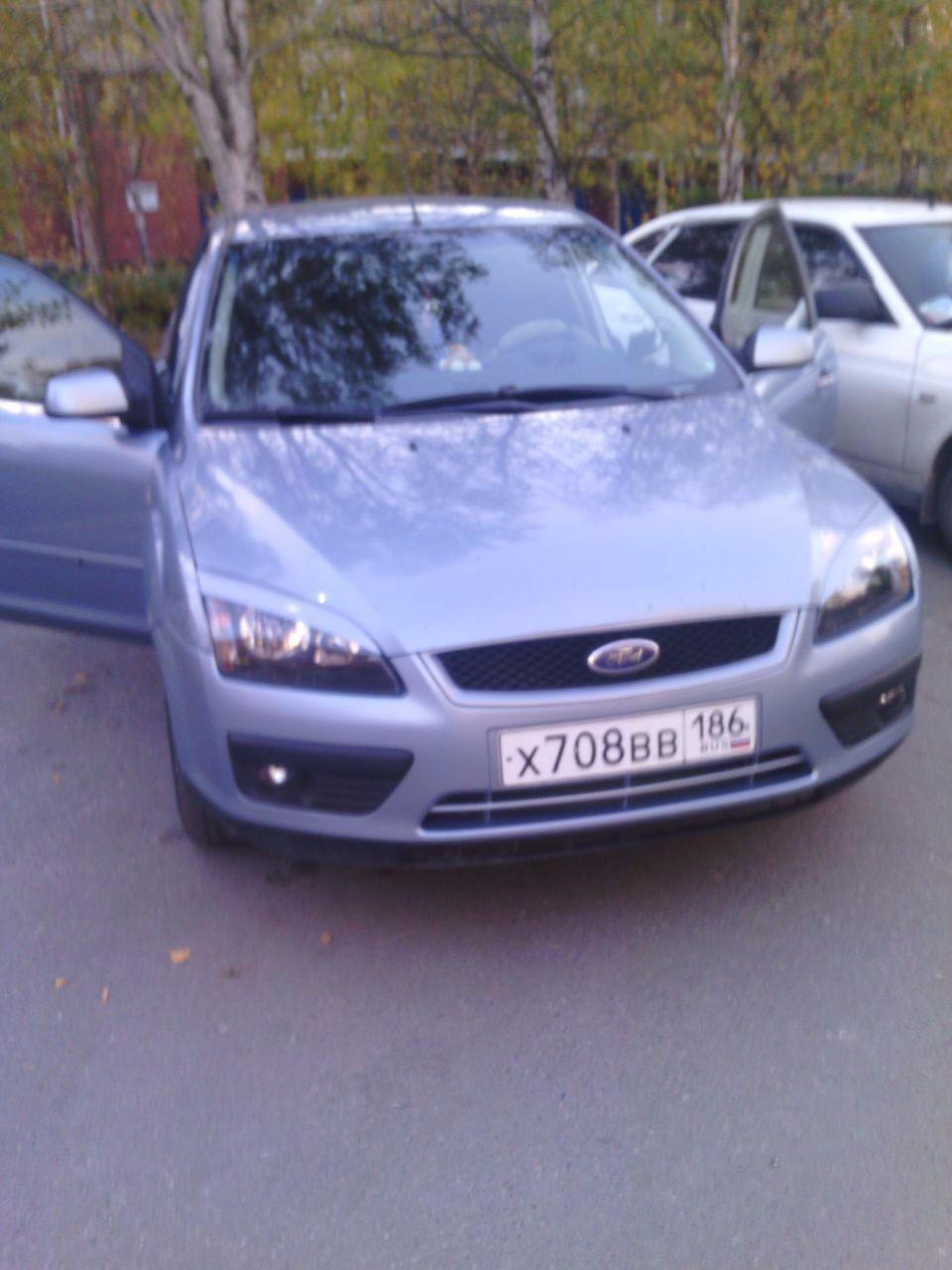 Подержанный Ford Focus, отличное состояние, серебряный , 2007 года выпуска, цена 280 000 руб. в ао. Ханты-Мансийском Автономном округе - Югре