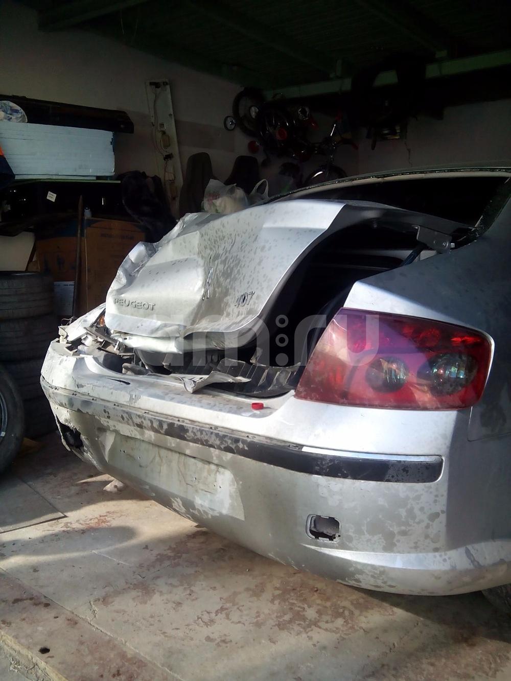 Подержанный Peugeot 407, битый состояние, серебряный , 2006 года выпуска, цена 190 000 руб. в Крыму