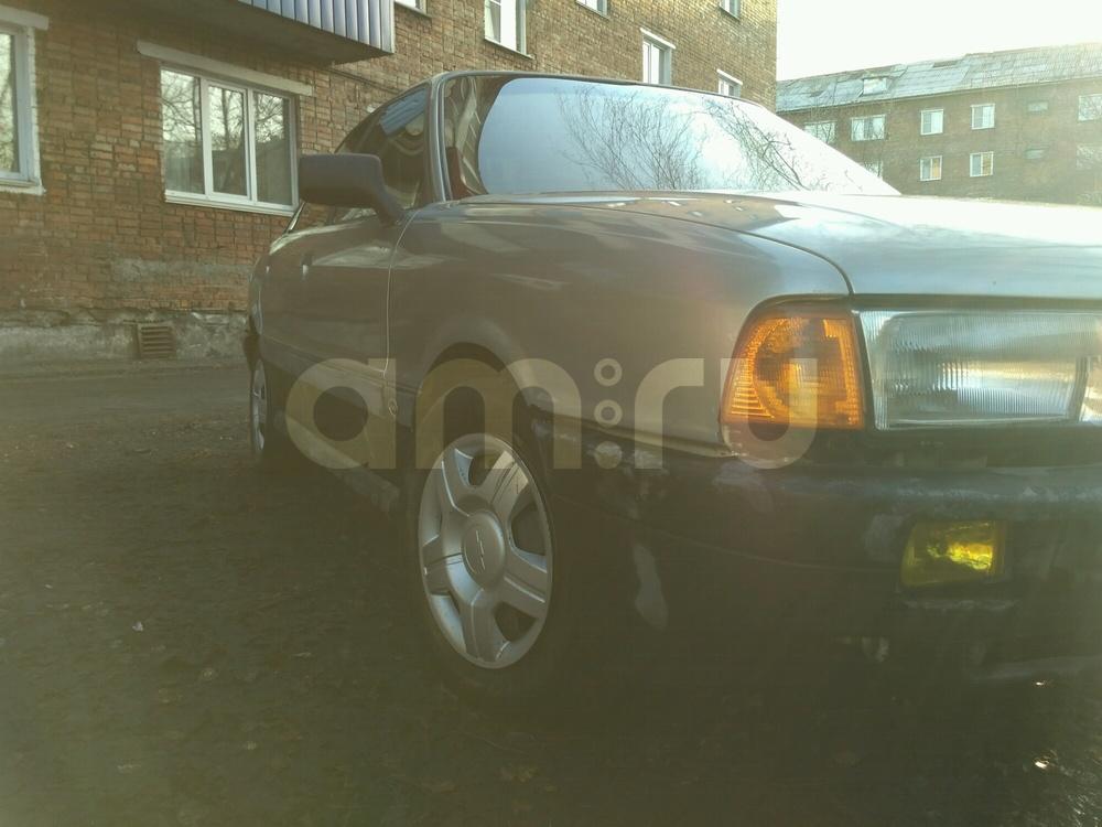 Подержанный Audi 80, хорошее состояние, серебряный , 1988 года выпуска, цена 70 000 руб. в Кемеровской области