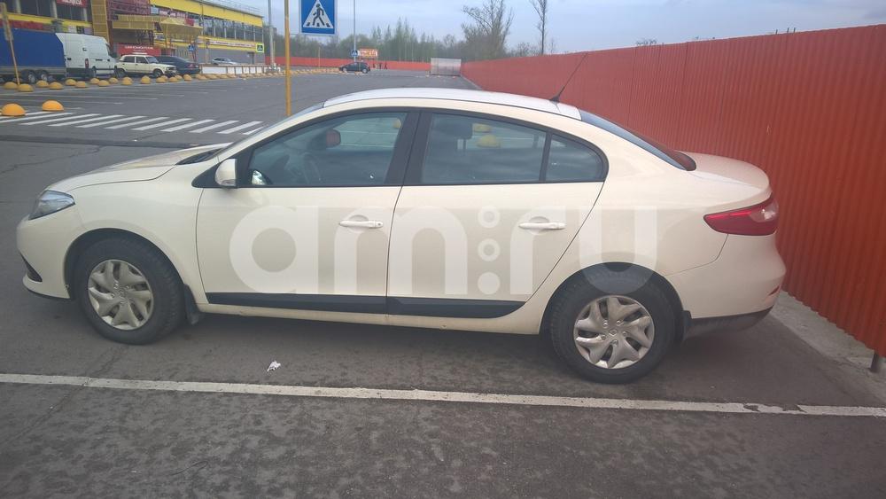 Подержанный Renault Fluence, хорошее состояние, бежевый , 2013 года выпуска, цена 480 000 руб. в Санкт-Петербурге