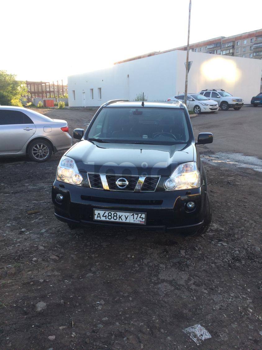 Подержанный Nissan X-Trail, хорошее состояние, черный , 2010 года выпуска, цена 810 000 руб. в Челябинской области