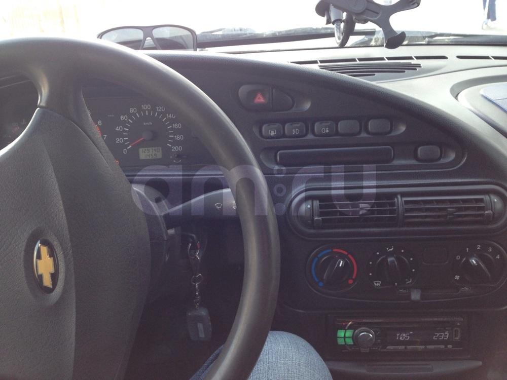 Подержанный Chevrolet Niva, хорошее состояние, серебряный металлик, 2007 года выпуска, цена 250 000 руб. в ао. Ханты-Мансийском Автономном округе - Югре