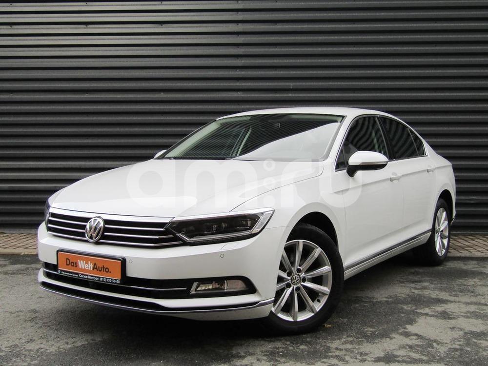 Volkswagen Passat с пробегом, белый , отличное состояние, 2015 года выпуска, цена 1 586 300 руб. в автосалоне  ()