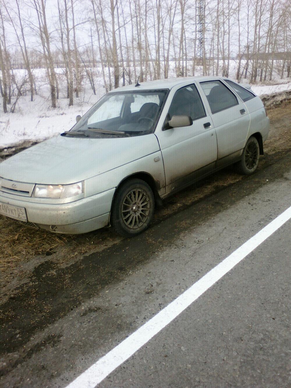 Подержанный ВАЗ (Lada) 2112, хорошее состояние, серебряный , 2003 года выпуска, цена 105 000 руб. в Омской области