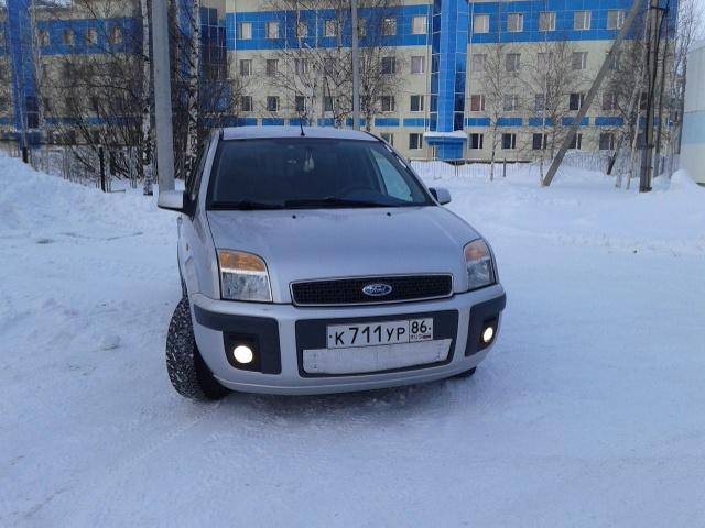 Подержанный Ford Fusion, отличное состояние, серебряный , 2007 года выпуска, цена 280 000 руб. в ао. Ханты-Мансийском Автономном округе - Югре