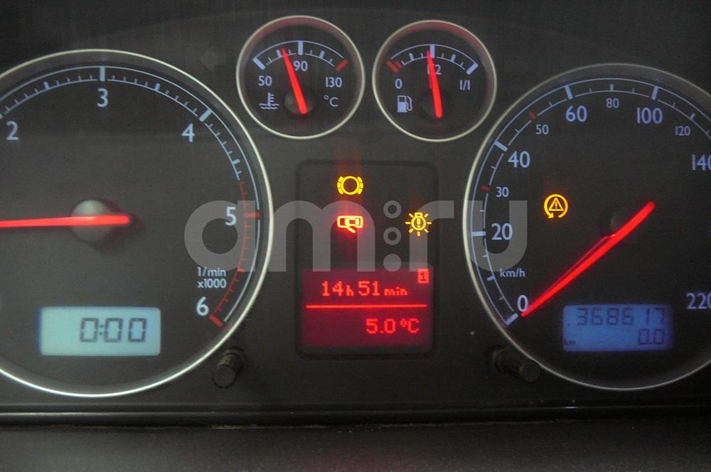Подержанный Volkswagen Sharan, хорошее состояние, черный , 2001 года выпуска, цена 375 000 руб. в Пскове