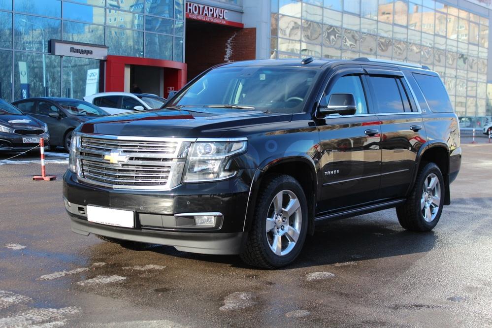 Подержанный Chevrolet Tahoe, отличное состояние, черный металлик, 2015 года выпуска, цена 2 800 000 руб. в Санкт-Петербурге