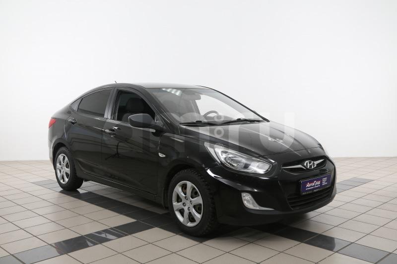 Hyundai Solaris с пробегом, черный перламутр, отличное состояние, 2013 года выпуска, цена 497 000 руб. в автосалоне  ()