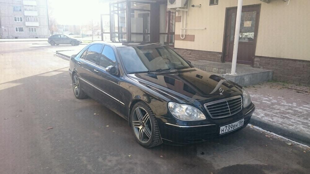 Подержанный Mercedes-Benz S-Класс, отличное состояние, черный , 2004 года выпуска, цена 650 000 руб. в ао. Ханты-Мансийском Автономном округе - Югре