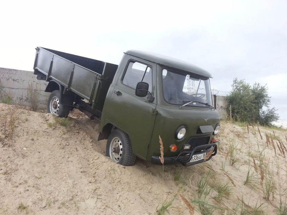 Подержанный УАЗ 452, среднее состояние, зеленый , 1981 года выпуска, цена 99 000 руб. в ао. Ханты-Мансийском Автономном округе - Югре