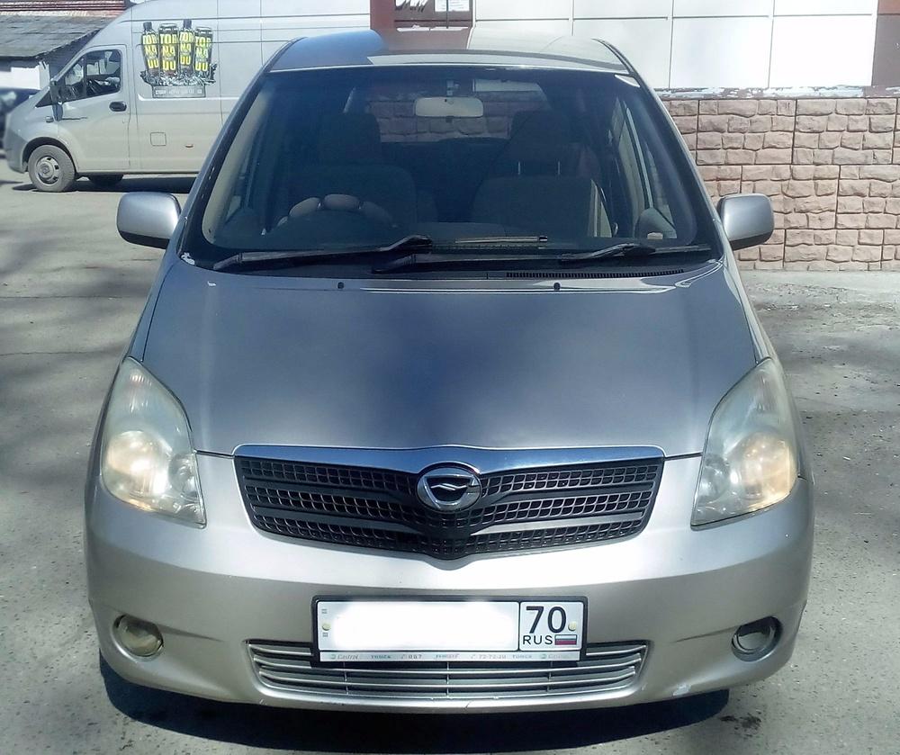 Подержанный Toyota Corolla Spacio, отличное состояние, серебряный , 2003 года выпуска, цена 385 000 руб. в Томской области