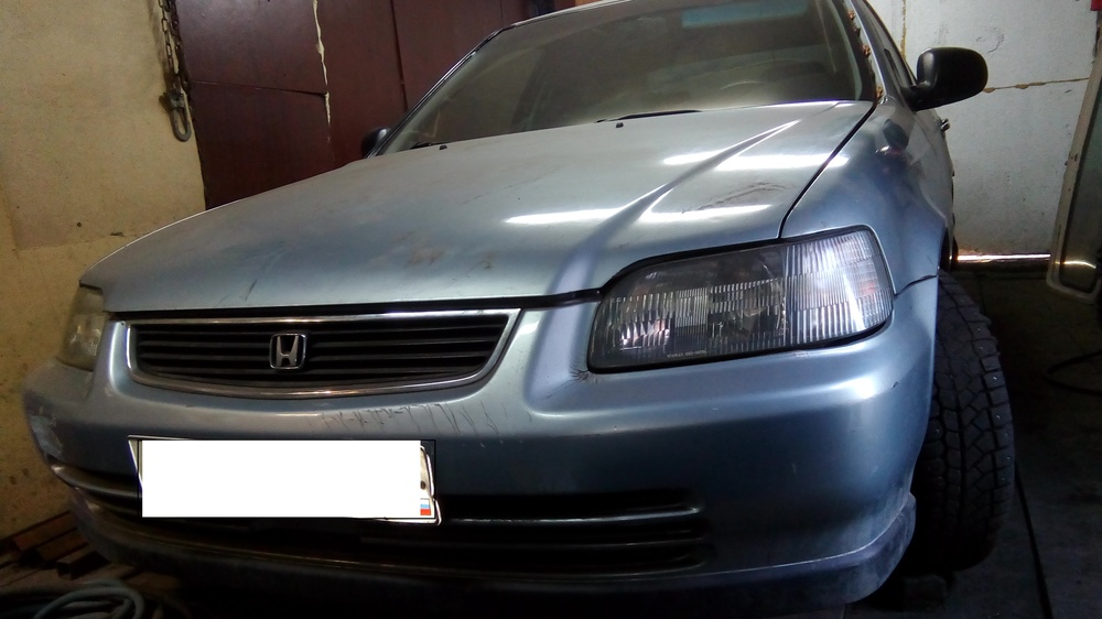 Подержанный Honda Civic, среднее состояние, серебряный металлик, 1995 года выпуска, цена 100 000 руб. в Кемеровской области