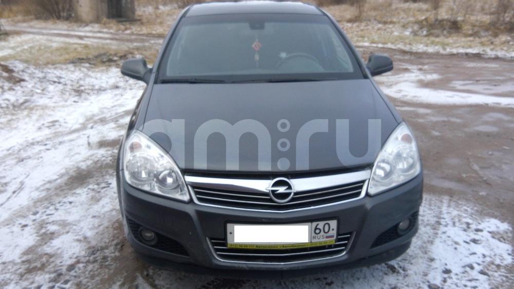 Подержанный Opel Astra, хорошее состояние, серый , 2010 года выпуска, цена 380 000 руб. в Пскове