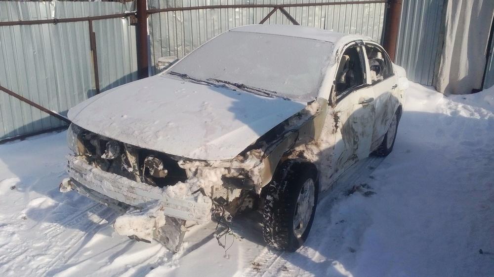 Подержанный Lifan Solano, битый состояние, белый , 2013 года выпуска, цена 80 000 руб. в Ульяновской области