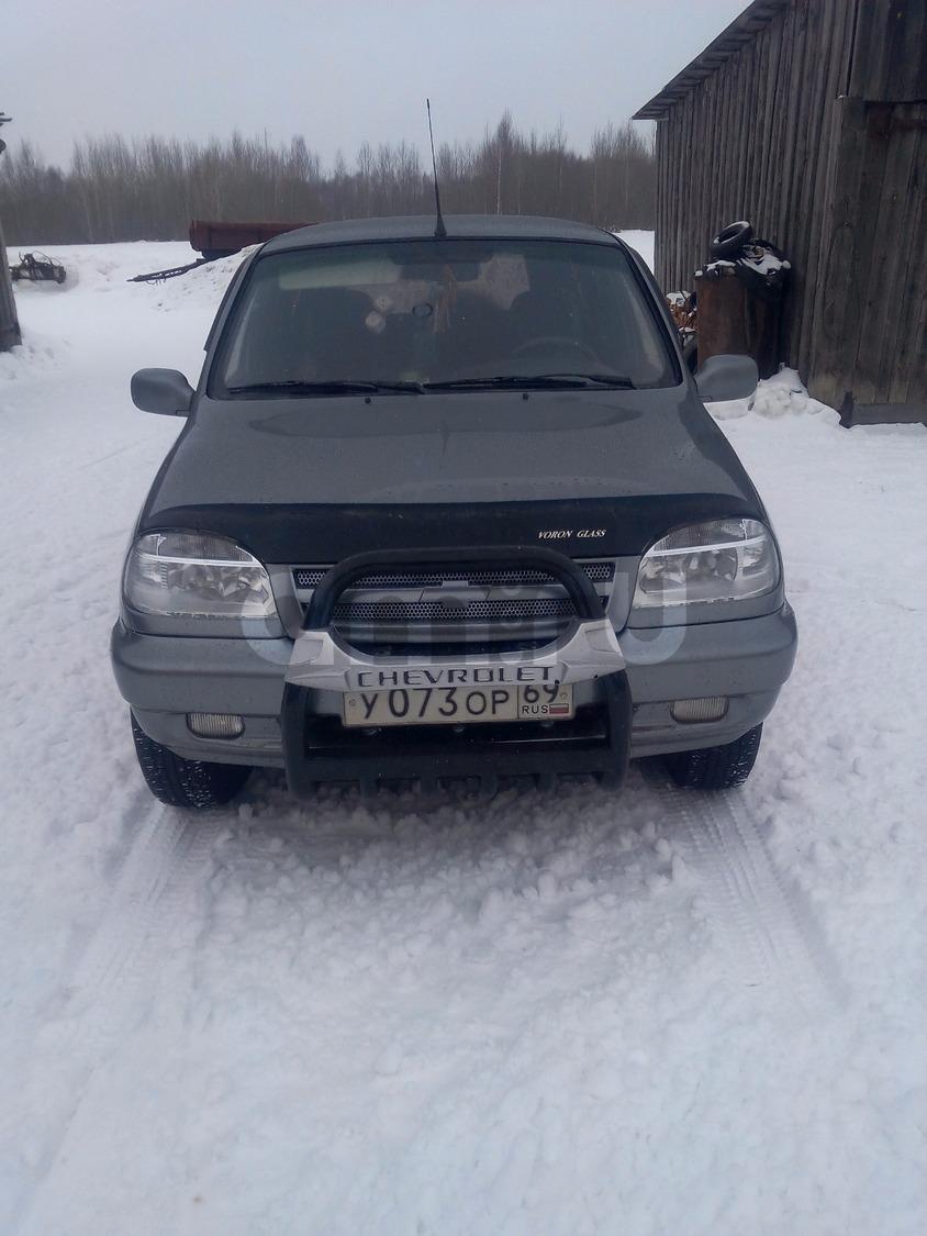 Подержанный Chevrolet Niva, отличное состояние, серый , 2005 года выпуска, цена 245 000 руб. в Тверской области