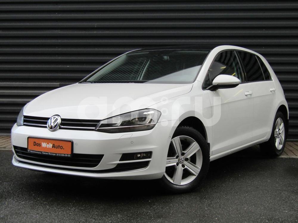 Volkswagen Golf с пробегом, белый металлик, отличное состояние, 2013 года выпуска, цена 922 500 руб. в автосалоне  ()