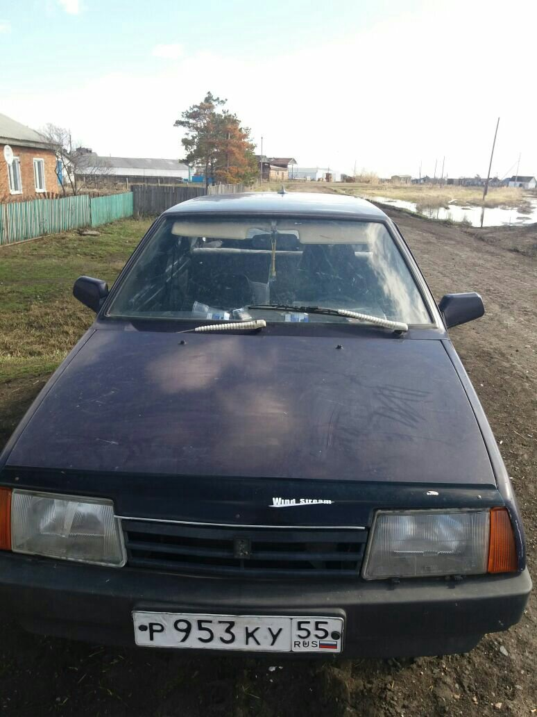 Подержанный ВАЗ (Lada) 2109, плохое состояние, фиолетовый , 1999 года выпуска, цена 20 000 руб. в Омске