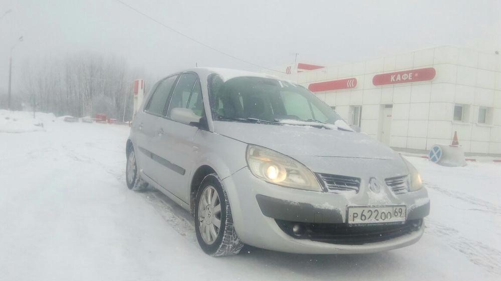 Подержанный Renault Scenic, отличное состояние, серебряный , 2008 года выпуска, цена 380 000 руб. в Тверской области