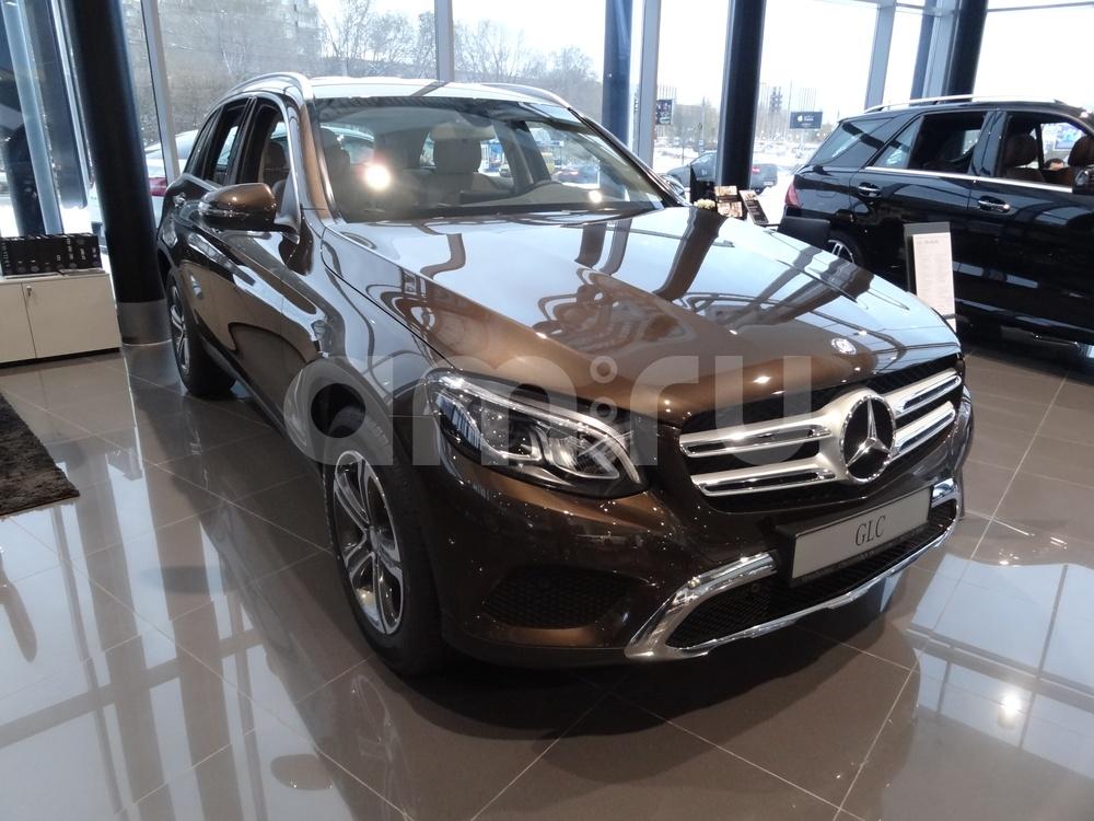 Новый авто Mercedes-Benz GLC-Класс, коричневый металлик, 2017 года выпуска, цена 3 150 000 руб. в автосалоне УралАвтоХаус Магнитогорск (Магнитогорск, пр-кт Ленина, д. 97, лит. Б)