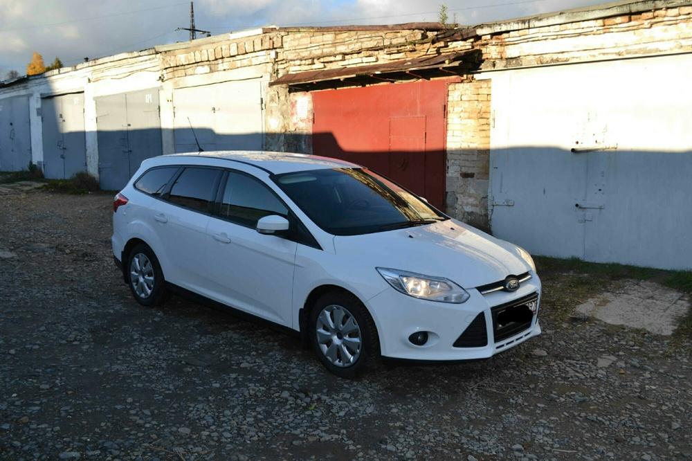 Подержанный Ford Focus, отличное состояние, белый , 2012 года выпуска, цена 490 000 руб. в Челябинской области