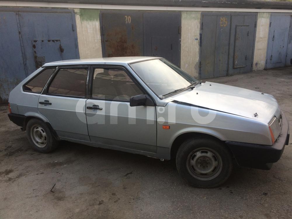 Подержанный ВАЗ (Lada) 2109, хорошее состояние, серебряный металлик, 2001 года выпуска, цена 30 000 руб. в Екатеринбурге