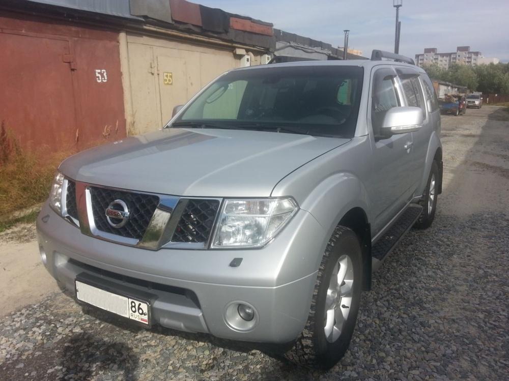 Подержанный Nissan Pathfinder, хорошее состояние, серебряный металлик, 2007 года выпуска, цена 840 000 руб. в ао. Ханты-Мансийском Автономном округе - Югре