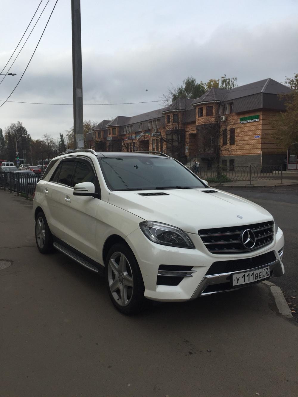Подержанный Mercedes-Benz M-Класс, отличное состояние, белый , 2014 года выпуска, цена 3 550 000 руб. в республике Татарстане