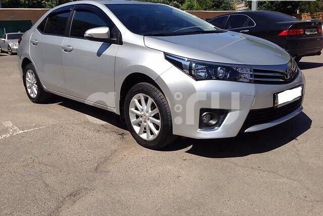Подержанный Toyota Corolla, отличное состояние, серебряный , 2015 года выпуска, цена 815 000 руб. в ао. Ханты-Мансийском Автономном округе - Югре