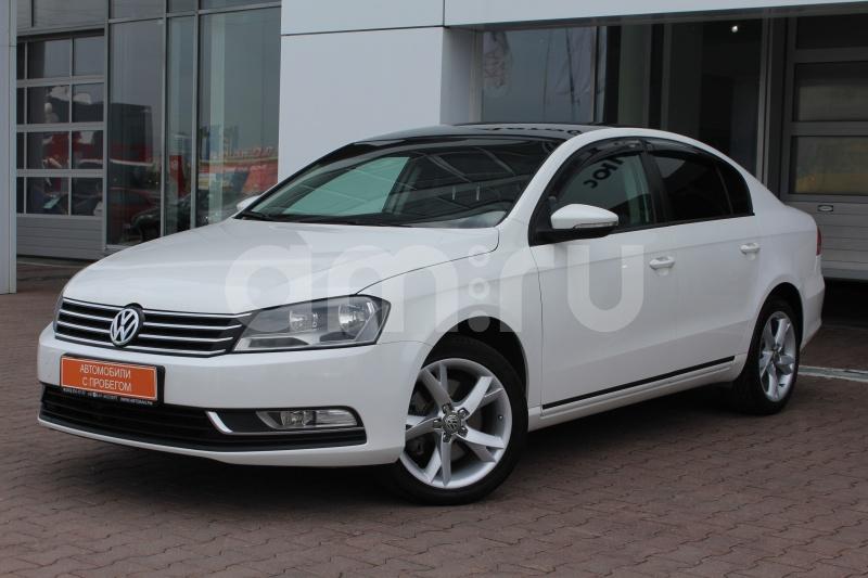 Volkswagen Passat с пробегом, белый , отличное состояние, 2012 года выпуска, цена 735 000 руб. в автосалоне Автобан-Запад (Екатеринбург, ул. Металлургов, д. 67)
