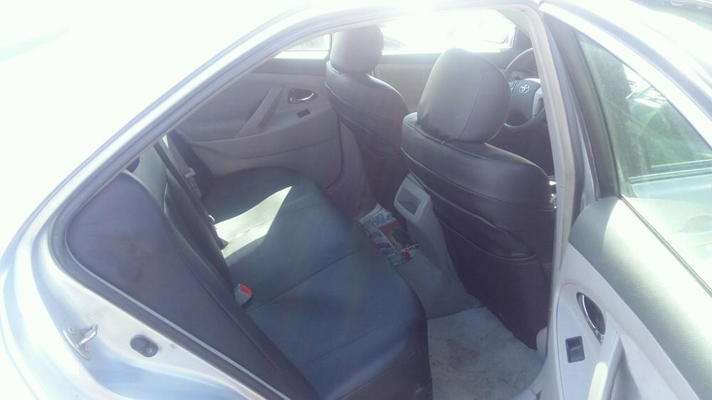 Подержанный Toyota Camry, хорошее состояние, серебряный , 2007 года выпуска, цена 575 000 руб. в Тюмени