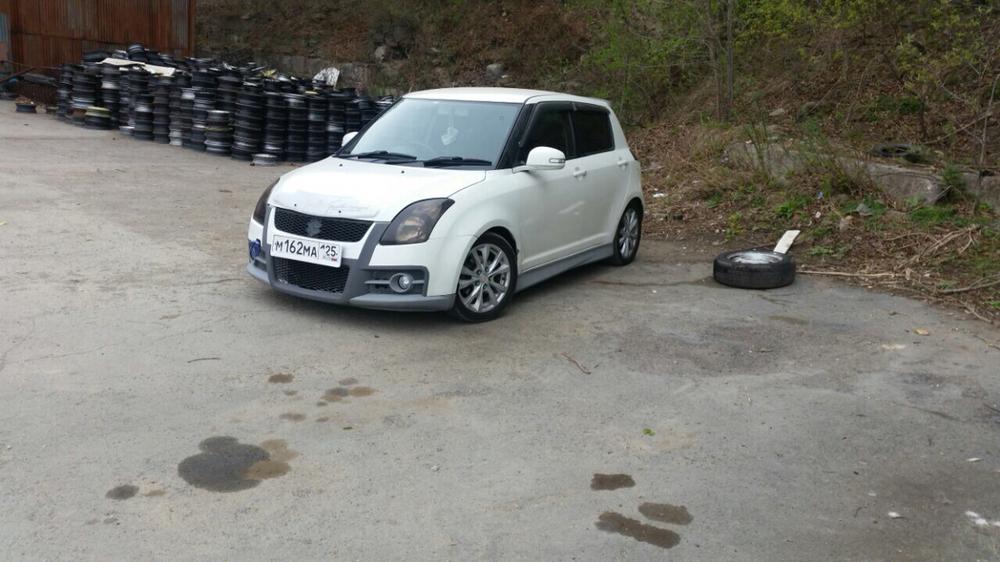 Подержанный Suzuki Swift, хорошее состояние, белый , 2009 года выпуска, цена 400 000 руб. в Владивостоке
