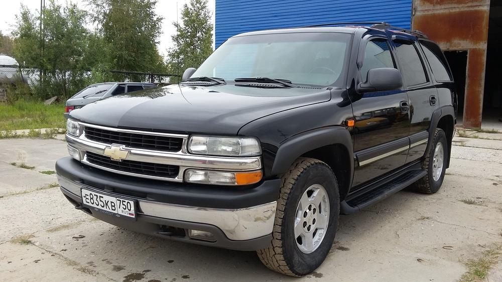 Подержанный Chevrolet Tahoe, хорошее состояние, черный , 2005 года выпуска, цена 900 000 руб. в ао. Ханты-Мансийском Автономном округе - Югре