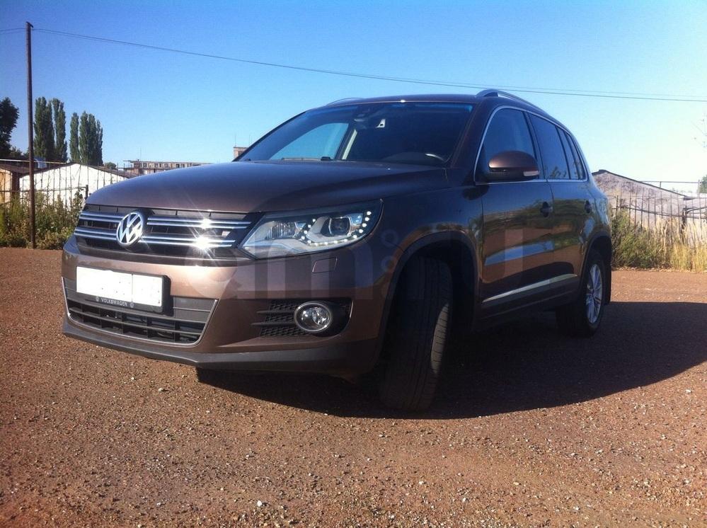 Подержанный Volkswagen Tiguan, хорошее состояние, коричневый , 2014 года выпуска, цена 1 080 000 руб. в республике Татарстане