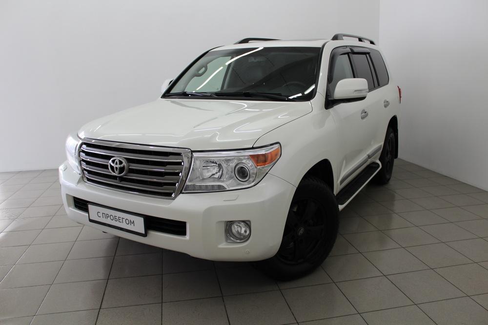Toyota Land Cruiser с пробегом, белый перламутр, отличное состояние, 2014 года выпуска, цена 3 250 000 руб. в автосалоне  ()