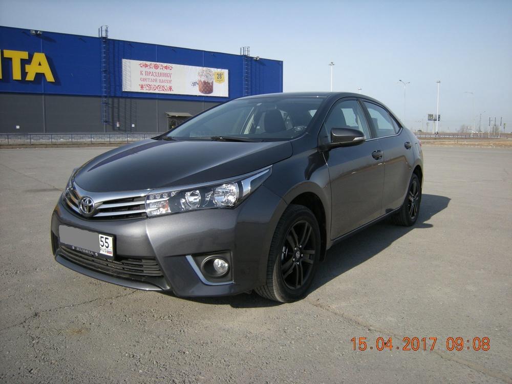 Подержанный Toyota Corolla, отличное состояние, мокрый асфальт металлик, 2013 года выпуска, цена 890 000 руб. в Омске