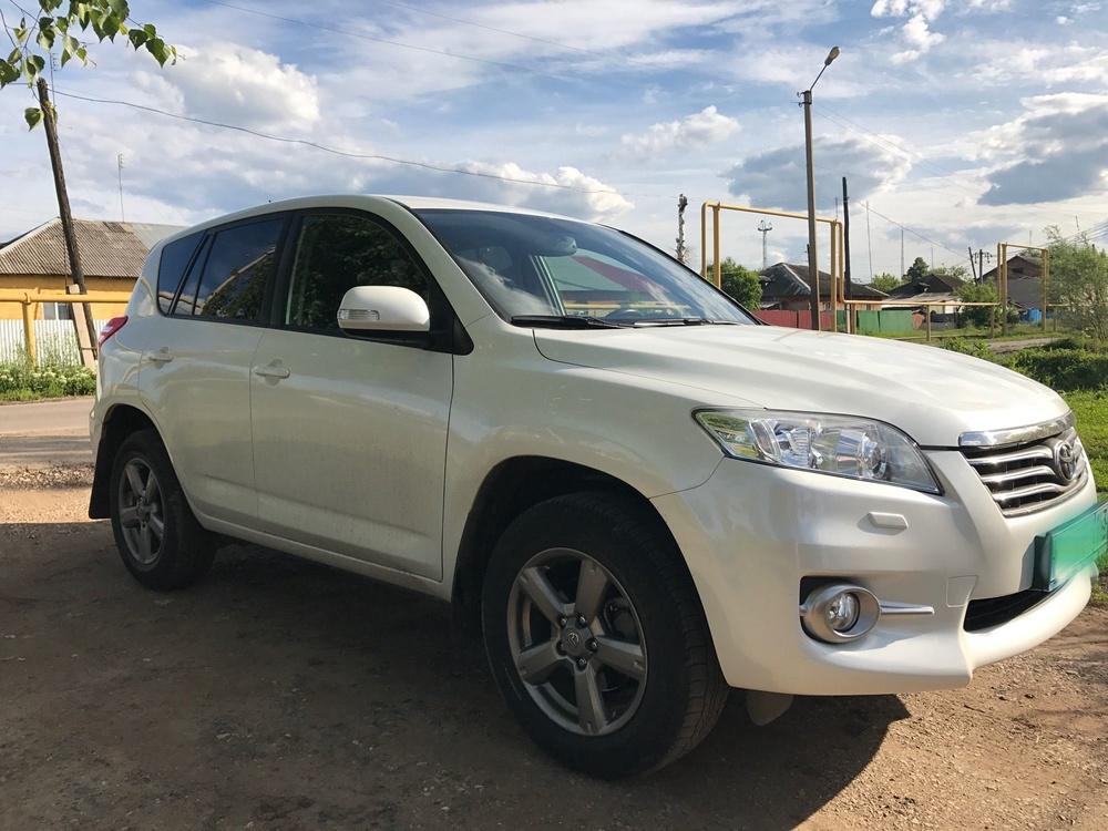Подержанный Toyota RAV4, отличное состояние, белый , 2012 года выпуска, цена 1 200 000 руб. в Самаре