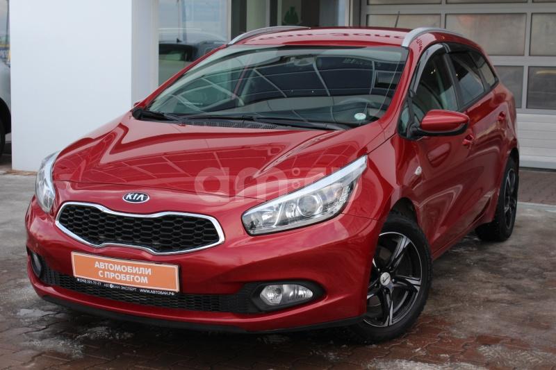 Kia Cee'd с пробегом, красный , отличное состояние, 2014 года выпуска, цена 729 000 руб. в автосалоне Автобан-Запад (Екатеринбург, ул. Металлургов, д. 67)