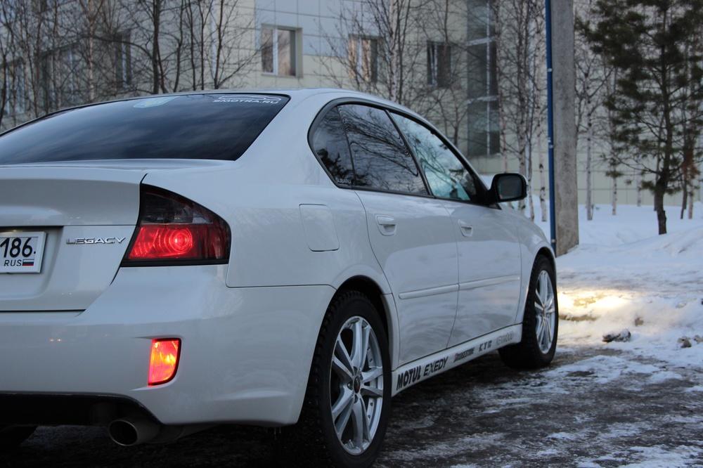 Подержанный Subaru Legacy, отличное состояние, белый перламутр, 2007 года выпуска, цена 590 000 руб. в ао. Ханты-Мансийском Автономном округе - Югре