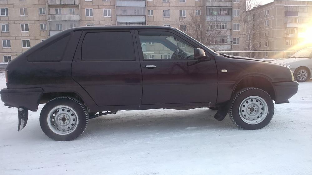 Подержанный ИЖ 2126, отличное состояние, фиолетовый , 2004 года выпуска, цена 120 000 руб. в Челябинской области