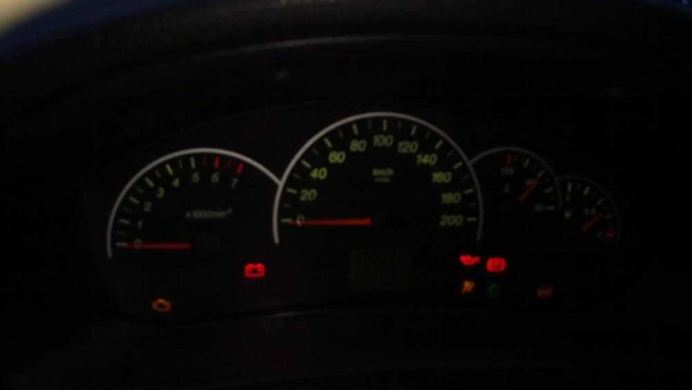 Подержанный ВАЗ (Lada) Priora, хорошее состояние, зеленый , 2010 года выпуска, цена 160 000 руб. в Самаре