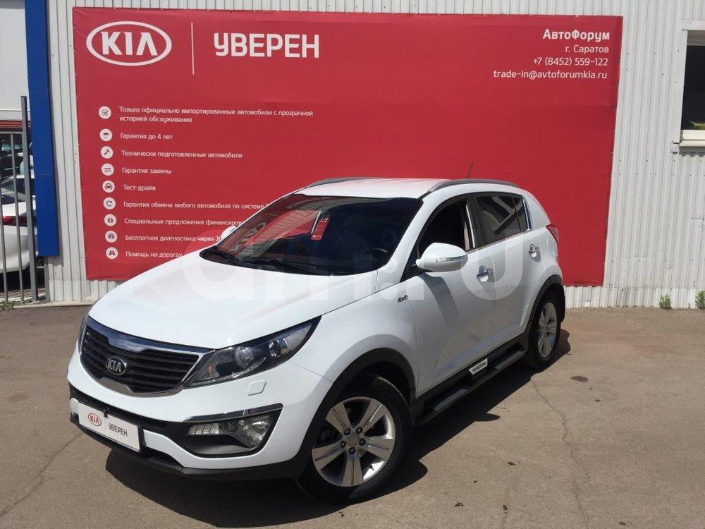 Kia Sportage с пробегом, белый металлик, отличное состояние, 2013 года выпуска, цена 1 030 000 руб. в автосалоне АвтоФорум 64 (Саратов, ул. Усть-Курдюмская, д. 33)