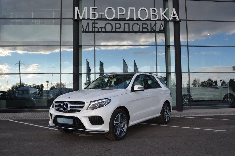 Новый авто Mercedes-Benz GLE-Класс, белый бриллиант, 2016 года выпуска, цена 4 190 000 руб. в автосалоне  ()