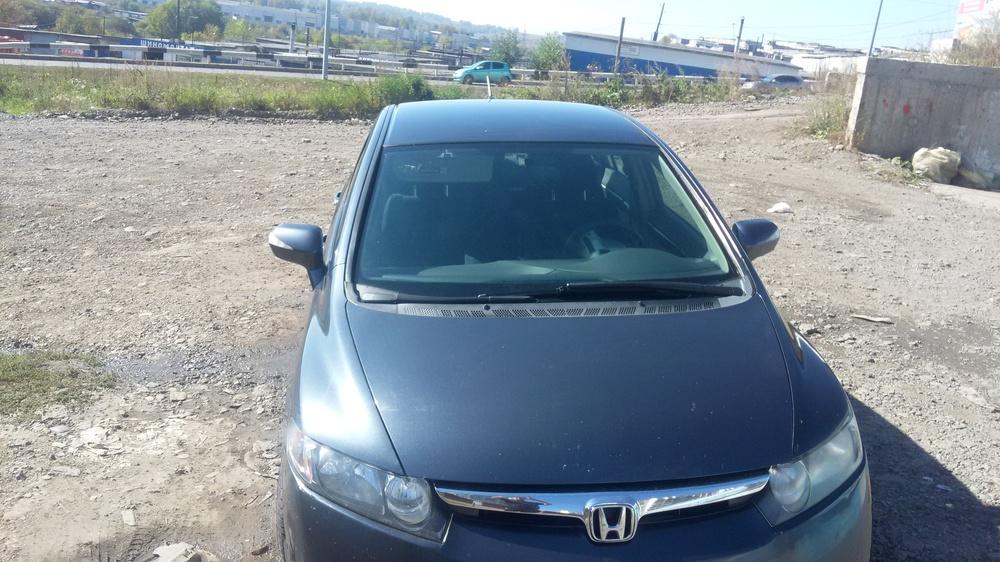 Подержанный Honda Civic, хорошее состояние, серебряный , 2007 года выпуска, цена 400 000 руб. в Кемеровской области