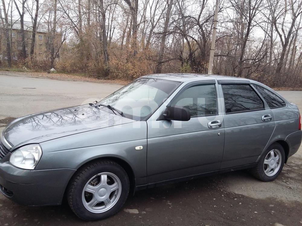 Подержанный ВАЗ (Lada) Priora, хорошее состояние, зеленый металлик, 2010 года выпуска, цена 200 000 руб. в Челябинской области