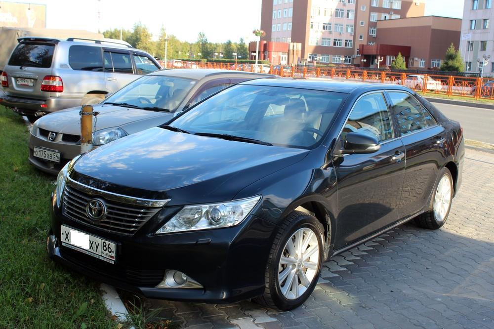 Подержанный Toyota Camry, отличное состояние, черный металлик, 2012 года выпуска, цена 1 160 000 руб. в ао. Ханты-Мансийском Автономном округе - Югре