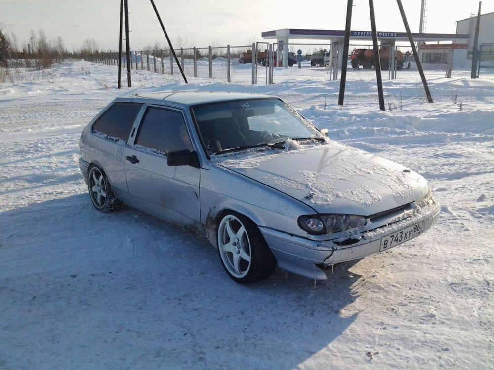 Подержанный ВАЗ (Lada) 2113, хорошее состояние, серебряный , 2005 года выпуска, цена 120 000 руб. в ао. Ханты-Мансийском Автономном округе - Югре