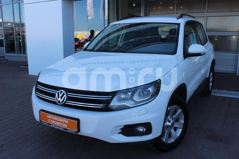 Volkswagen Tiguan с пробегом, белый , отличное состояние, 2013 года выпуска, цена 849 000 руб. в автосалоне Автобан-Запад (Екатеринбург, ул. Металлургов, д. 67)