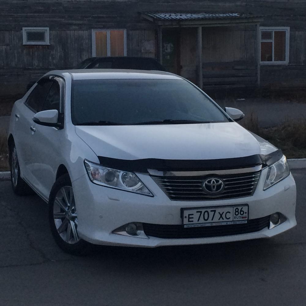 Подержанный Toyota Camry, хорошее состояние, белый перламутр, 2014 года выпуска, цена 1 180 000 руб. в ао. Ханты-Мансийском Автономном округе - Югре
