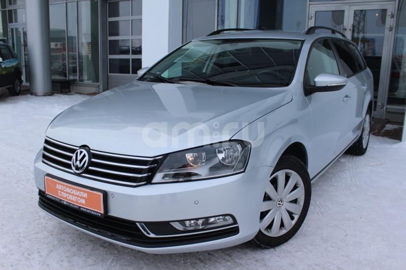 Volkswagen Passat с пробегом, серебряный , отличное состояние, 2013 года выпуска, цена 940 000 руб. в автосалоне Автобан-Запад (Екатеринбург, ул. Металлургов, д. 67)